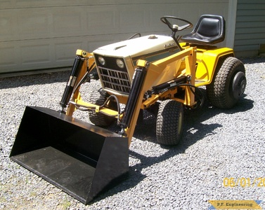 cub cadet 1872 garden tractor loader bucket at rest