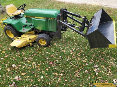 Alan B. Neosho, WI JD430 mini payloader right side