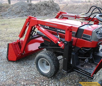 Case International 235 compact tractor loader_5