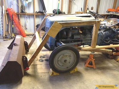 Ford 9N compact tractor loader_1