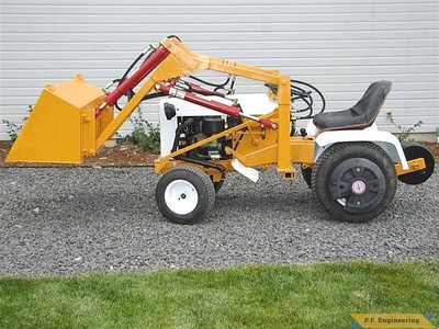 Gilson 16 HP garden tractor front end loader_5