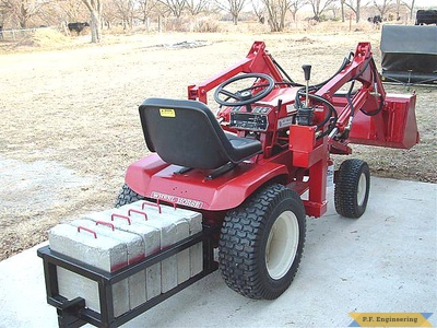 Wheel Horse 16 HP garden tractor Loader_2