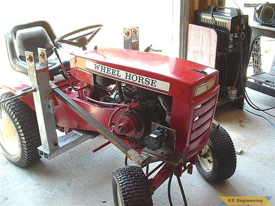Wheel Horse 16 HP garden tractor Loader_3