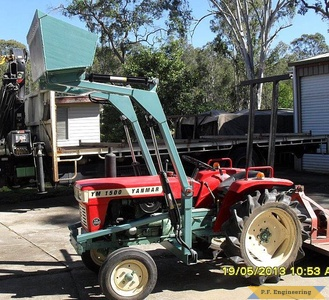 Yanmar YM1500 compact tractor loader_2